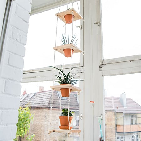 make a hanging planter garden