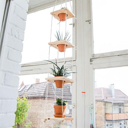make a hanging planter garden